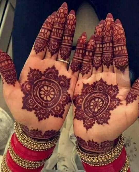 Traditional and Simple Round Mehndi Designs You Should