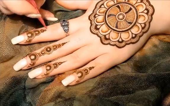 Mehndi Mandala Designs : Bombay style mehndi design beauty and
