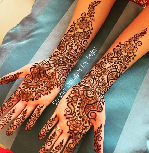 simple and beautiful arabic mehndi design for hands