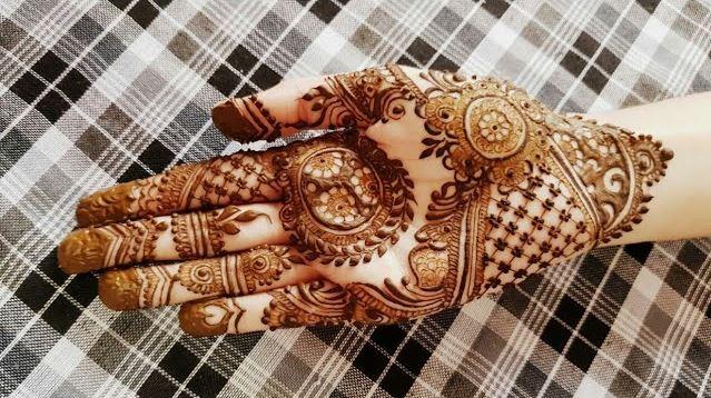 Beautiful Designer Mehndi Inspired By Mehndi By Hayat Mehndi Designs