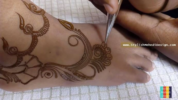 Easy Mehndi Tattoo Foot : Latest feet henna simple and easy mehndi design for