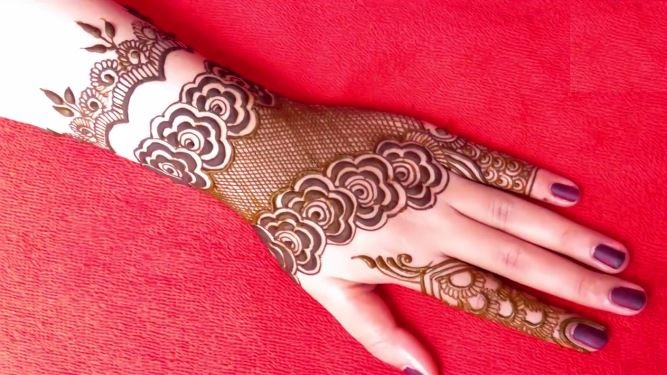 latest gulf style henna mehndi designs for back hand artsycraftsydad. Black Bedroom Furniture Sets. Home Design Ideas