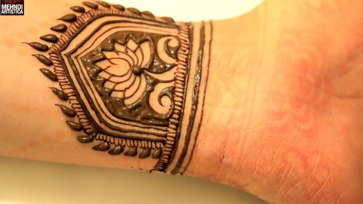 Mehndi Wrist Joint : Traditional rajasthani wrist henna mehndi designs