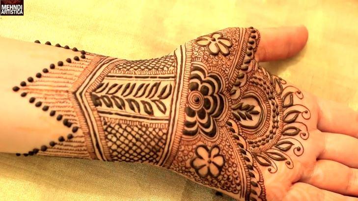 Mehndi Wrist Joint : Innovative intricate henna mehndi designs