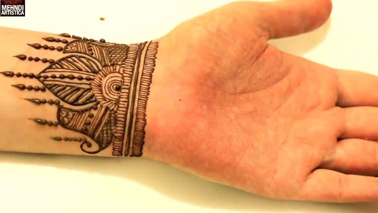 Simple Henna Wrist Designs For Beginners: Simple Wrist Henna Mehndi Design For Hand