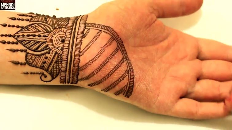 Simple Wrist Henna Mehndi Design For Hand Artsycraftsydad